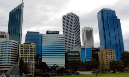 COVID-19: Perth to lock down for 5 days after 1 case of community transmission